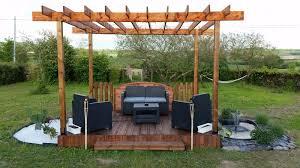 terrasse et pergola en palette et bois de récupération bricolage