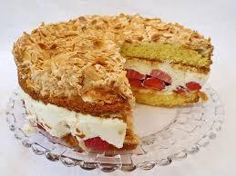 erdbeer mascarpone torte mit mandeln köstlich