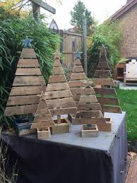 Pallet Christmas Tree How To Make Money From Your Woodworking Projects Pinterest 1024x1365