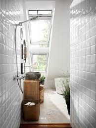 tageslicht im badezimmer dank dachflächenfenstern modern