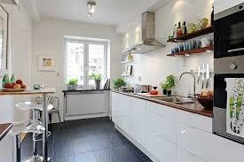 weiße küche dunkle arbeitsplatte wandfarbe rssmix info