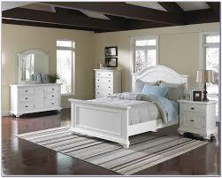 Huey Vineyard Queen Sleigh Bed by White Queen Sleigh Bedroom Set