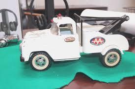 Vintage Tonka Toys White AA Tow Truck Pressed Steel 14