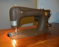 Vintage Kenmore Sewing Machine In Cabinet by Best 25 Montgomery Ward Sewing Machine Ideas On Pinterest