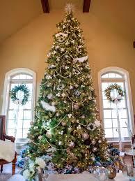 Poinsettia Christmas Tree Decorations Elegant White Trees Decorated 2019 Hgtv Holiday