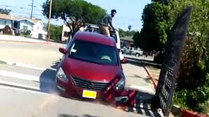 100 Repo Tow Truck Nissan Owner Tries To Free His Altima From Moving