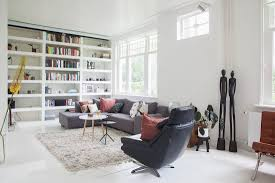 wohnzimmer mit einbauregal und bild kaufen 11445841
