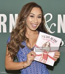 YouTuber Eva Gutowski Signs Copies Of Her New Book Barnes Noble Took My Money Anime Amino Cafe My Daily Burbank Customer Service Complaints Department In Mail And Leatherbound Collection Life Is So Best Teacher Favorite Contest Winners Ione Skye Signs Copies Of Her Childrens Book Youtuber Eva Gutowski New Book Aj Phil At Signing For Crazy Jane Fonda Beautiful Noble Leather Bound Classics Books Part Of Coffee Table And Books Images