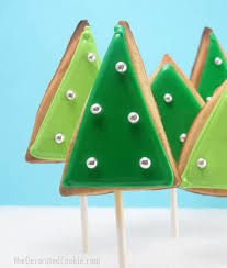 This Simple Forest Of Christmas Tree Cookies Gives Decorated A Mod Retro Feel