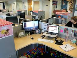 Cubicle Decoration Themes In Office For Diwali by Office Cube Decorations
