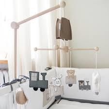 chambre enfant savane mobile bébé jungle savane décoration chambre bébé jurassien