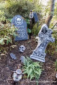 Halloween Cemetery Fence Diy by How To Create A Spooky Halloween Graveyard