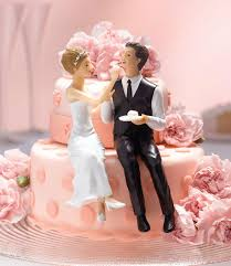 Couple Eating Cake Figurine So Cute