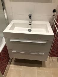 badezimmermöbel weiß hochglanz