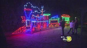 Christmas Tree Lane Fresno Ca by Fresno Fig Garden News Abc30 Com