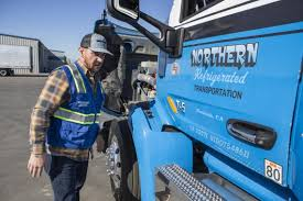 100 Central Refrigerated Trucking School Stanislaus County Program Is Recruiting New Truck Drivers Federal