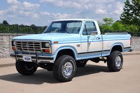 100 Ford Truck 4x4 1986 F 150 Lariat XLT SOLD