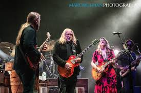 Derek Trucks, Oteil Burbridge, & Marc Quiñones Honor Allman Brothers ...