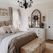 66 Farmhouse Style Master Bedroom Decorating Ideas 56