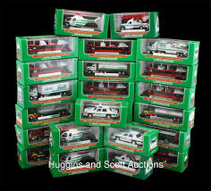 100 2007 Hess Truck 49 1975 S With Miniatures