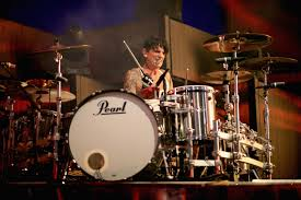 Smashing Pumpkins Drummer 2014 by Five Things That Remind Us Of Tommy Lee Wdha Fm