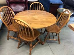 Round Table With Leaf Dining