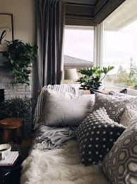 Beautiful And Cozy Daybed