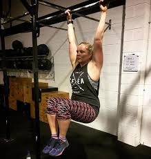Abs Roman Chair Knee Raises by 5 Benefits Of Hanging Knee Raises Barbend