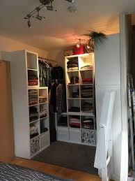 kallax begehbarer kleiderschrank kleine schlafzimmer