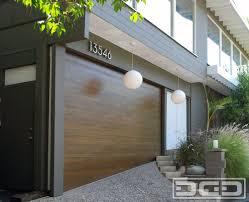 Garage Door Bottom Seal For Uneven Floor by Modern Style Ideas For Customized Uneven Bottom Garage Door