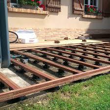 plot reglable pour terrasse bois nivrem pose terrasse bois sur plot reglable diverses idées
