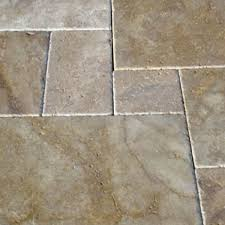 Patio Slabs by Travertine Stone Tumbled Patio Paving Slabs Pack 16 35m2 30mm
