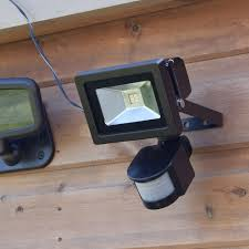 solar security light outdoor with pir sensor 6 smd