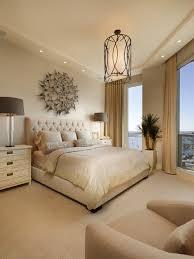 frau schlafzimmer dekor ideen beige tapete schlafzimmer