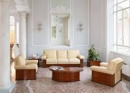 gepolstertes sofa für wartezimmer im klassischen