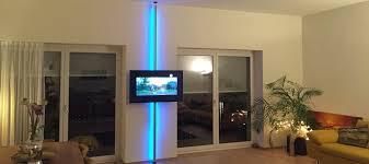 tv stangen tv halterungen aufstehhilfen boden decken