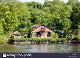 104 River Side House C8 Alamy Com Comp D8jwwa Side Marlow