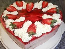 torte erdbeer joghurt sahne herz