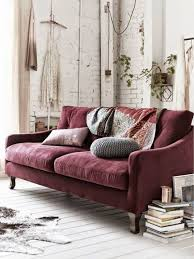 Red Sofa Living Room Ideas by Best 25 Burgundy Couch Ideas On Pinterest Dark Blue Walls Navy
