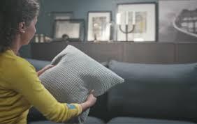 verbessere die akustik in deinem wohnzimmer mit textilien