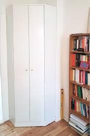 wohnzimmer eckschrank für schmale wände eckschrank