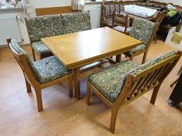 esszimmer tisch bänke stühle möbel großer holztisch massivholz