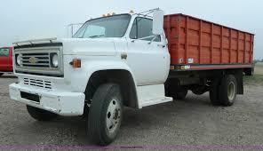 100 1974 Chevrolet Truck Grain Truck Item K8036 SOLD May 13 Ag Eq