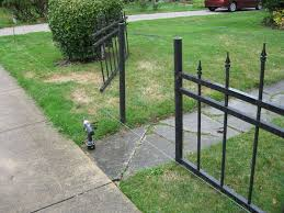Halloween Cemetery Fence Ideas by Halloween Cemetery Fence 15 Steps