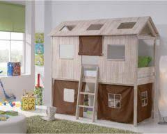 cabane dans chambre lit cabane pour chambre d enfant idée d amènagement et de gain