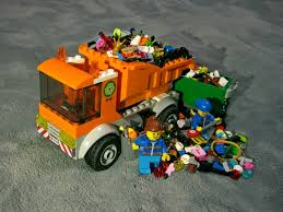 100 Lego Recycling Truck I Thought The 60220 Garbage Truck Could Hold 3 Months Worth