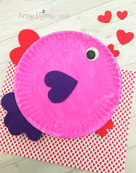 Paper Plate Valentine s Day Fish with Heart Shapes