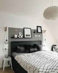 schlafzimmer schwarz weiss wohnkonfetti