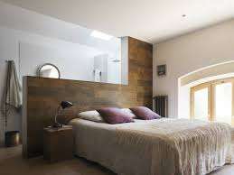 lambris mural chambre chambre en lambris bois stunning dco chambre lambris moderne