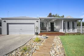 100 Barwon Heads Beach House Sold Property 870000 For 8 Lawrenny Court